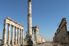 Afamea, toto starověké město mělo ještě delší sloupořádí než Palmýra