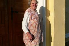 Ještě v roce 2011 se na kapličku v Domaníně zvonilo ručně, paní přicházela zvonit každý den v sedm hodin večer